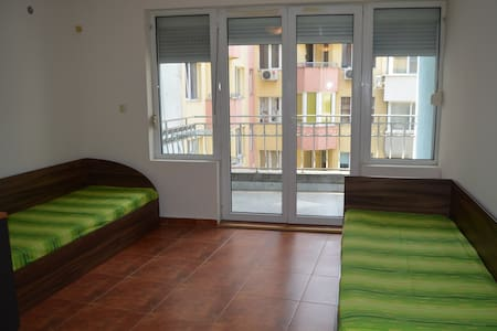 Downtown Studio-Beach 7 min - Varna - Wohnung