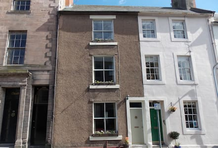 40 Ravensdowne, Berwick upon Tweed - Dom