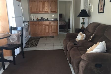Peaceful Clean Waterfront Apartment - Lacey Township - Apartment