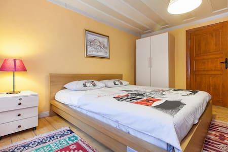 Double Bedroom in Balat - 2nd Floor