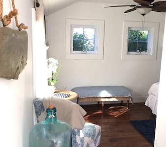 PrivateBeach Cottage, walk to beach - Middletown - Hus