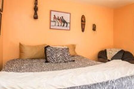 affordable condo private room - Agoura Hills