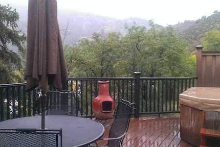 Red Rocks/Hot Tub/35 min from DENVR - Idledale