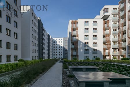 Modern and big apartment, near parks! - Lägenhet