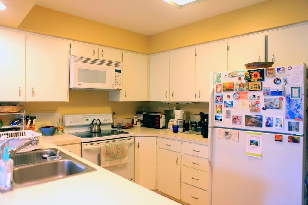 The spacious kitchen.