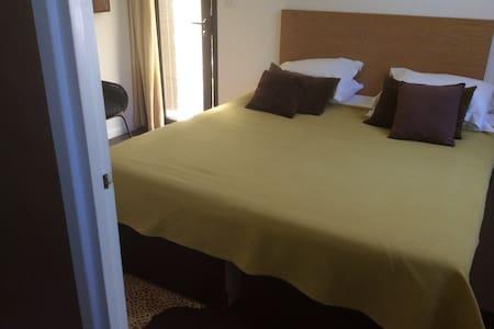 Le Cap chambre d'hôtes a Cassis 5 - Appartement