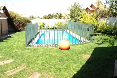 Espectacular casa con piscina  - Santiago/colina - Casa