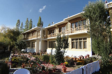 SANGTO VILLA  PERFECT LOCATION - Leh - Villa