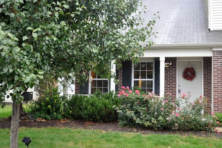 5Br Beautiful for Family & Friends - Fishers - Casa