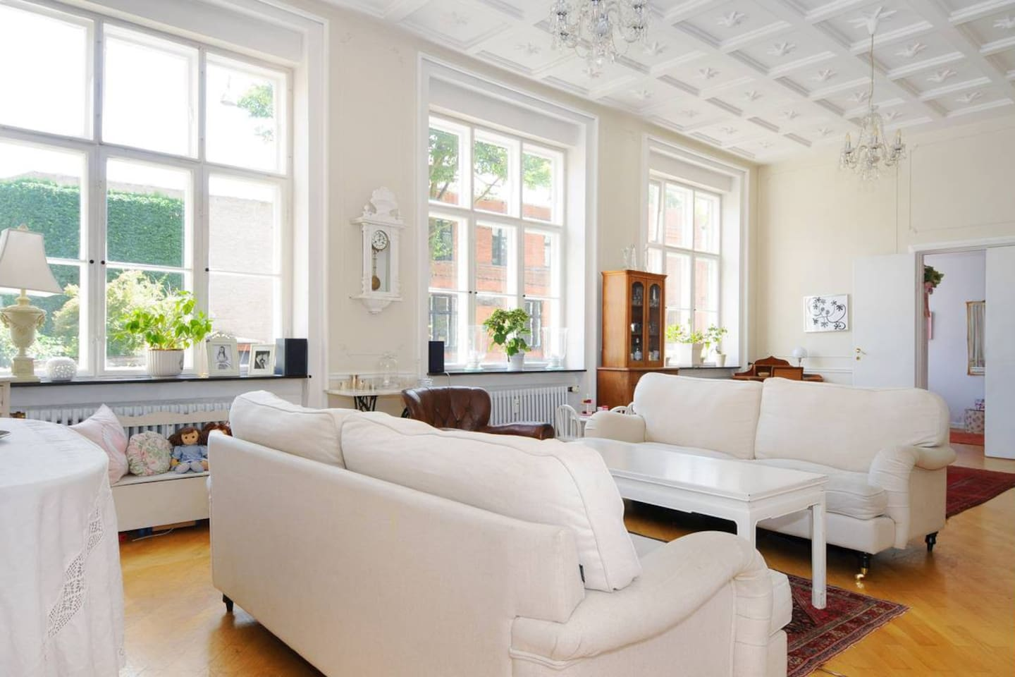 A very bright and spacious room to relax in after a day full of adventure in Copenhagen