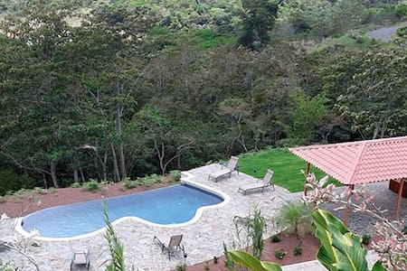 Villa Colibrí Lake Front - New Home - Nuevo Arenal - House