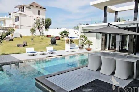 Charlottes Villa Bali - South Kuta