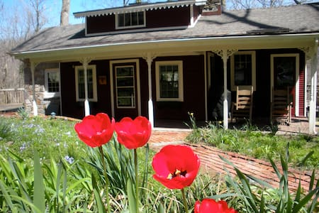 Room type: Entire home/apt Property type: Cabin Accommodates: 4 Bedrooms: 2 Bathrooms: 2