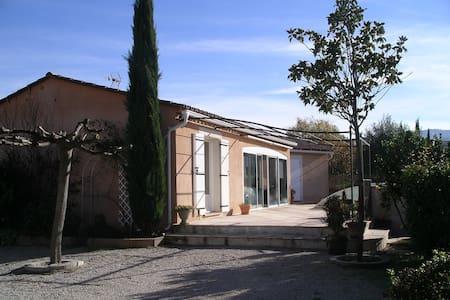 Villa avec piscine au coeur de la Provence - Trets