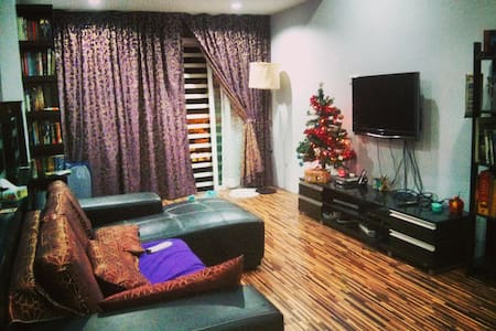 Double Room Near Airport - Bayan Lepas - House