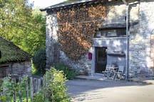 Cosy authentic farmhouse (sleeps 6)