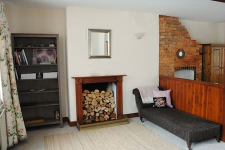Cosy Cottage In Historic Westerham - Westerham - House