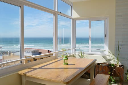 Ocean Views from your bed! - Apartment