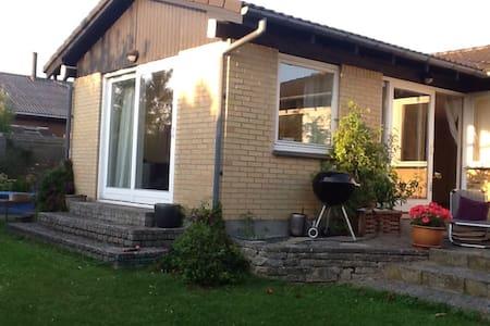 Big family house 1/2 hour north of Copenhagen - Lynge - Casa