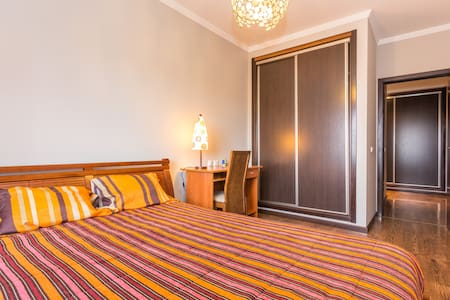 VIP double bedroom with breakfast - Faro - Wohnung