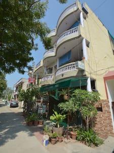 luxury home stay in Agra - Agra - Bed & Breakfast