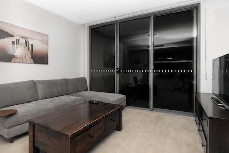 Absolutelly Waterfront Apartment - Wentworth Point - Apartment
