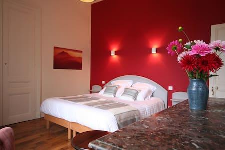 La chambre Volcans - Combronde - Bed & Breakfast