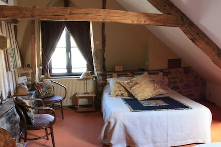 La maison de la Porte Saint-Michel - Bed & Breakfast