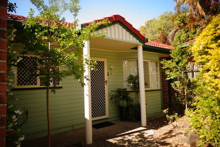 Quiet & Cosy Unit - Aspley