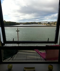 Double bed with bathroom and a view - Cork - Apartment
