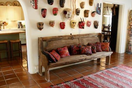Large Gracious Guest Suite, Patio - Casa