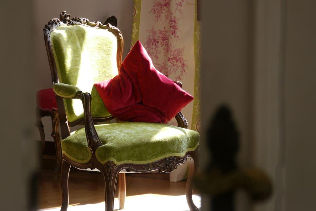 A ray of sun enlight the XVIII century bedroom furniture