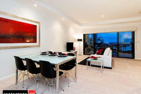 Executive 2 bedroom penthouse suite - West Perth