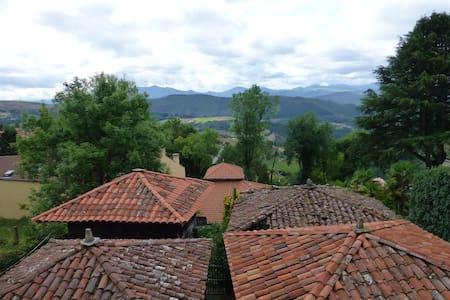 Casa Rural en la montaña - Hus