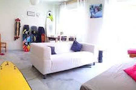 private room in Kite / Surf house (+lessons/gear) - 獨棟
