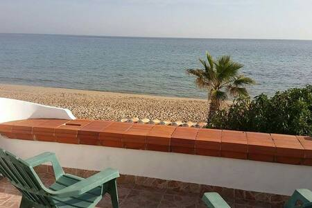 Apartamento frente al mar 1a linia. - El Baix Camp - Appartement