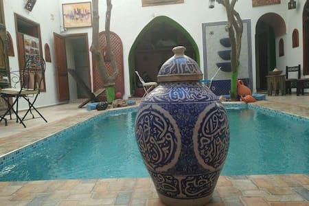 4PAX★POOL★SPA★IN THE ROYAL PALACE★ - Marrakech - Bed & Breakfast