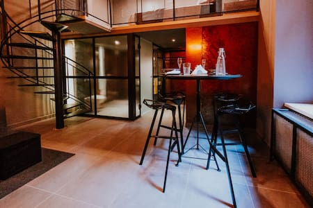 "Exclusive ""Rusty Loft"" in the Csengery street! - Budapest"