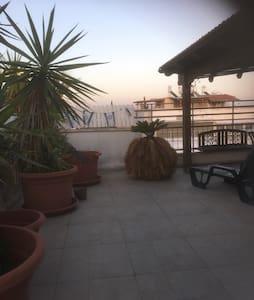 200 sqm penthouse near Tel Aviv and beach - Lakás