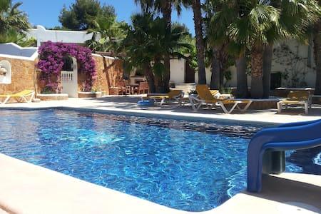 Ibiza – casa dolce casa - Cala Llenya - House