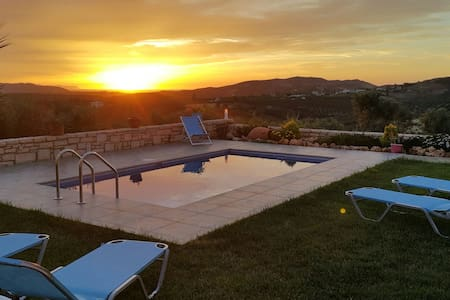 Villa Dimosthenis - Panormos
