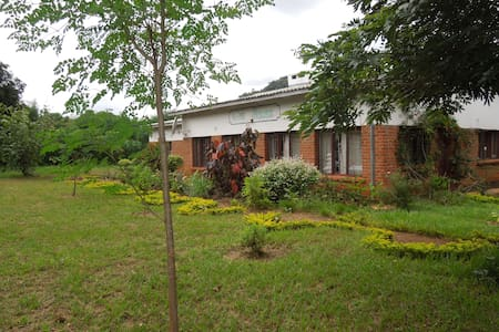 Guest House for teams & individuals - Chikondi - Bungalov