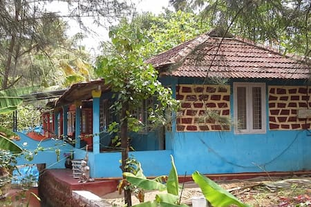 Eco friendly private rooms near Cherai Beach - Ház