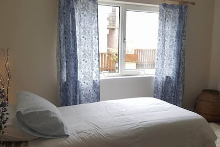 Private Room/Flat by Gorey Beach and Castle