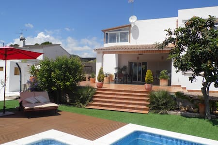Villa with pool and private garden  - Chalet