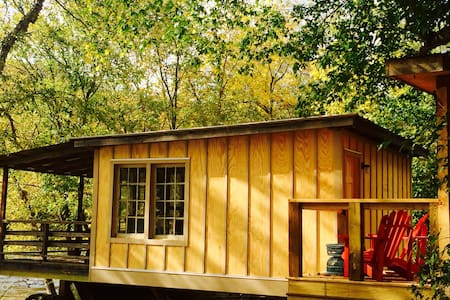 French Broad Driftwood Cabin - Alexander - Cabin