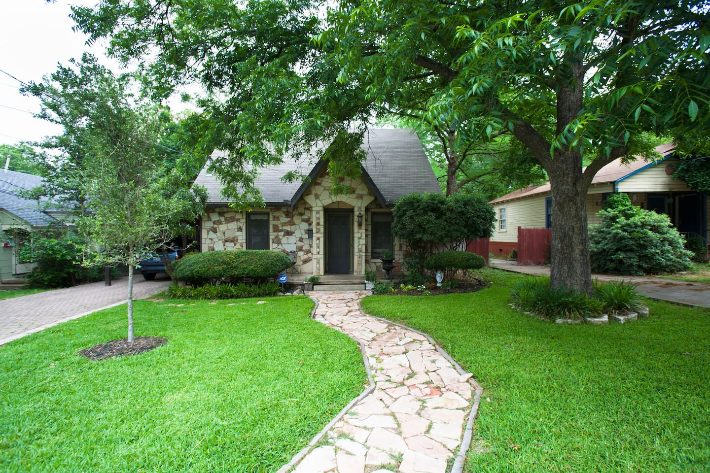 Charming, priviate home in the heart of Central Austin.