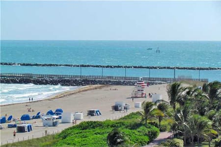 """ Hilton Your refuge in paradise'.  - Miami Beach"