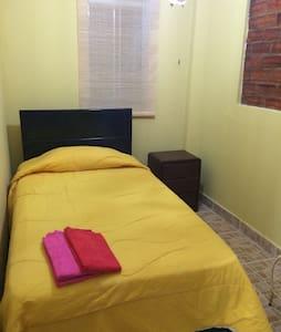 Alegre rustico dormitorio - Dorm