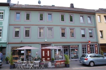 Ferienwohnung in Altstadthaus 70qm  - Apartment